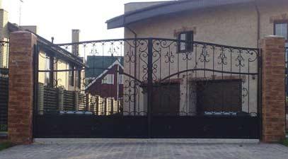 Распашные кованые ворота